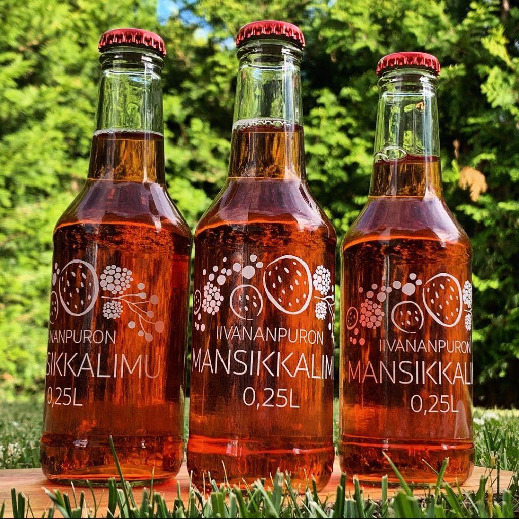 Uutuustuotteenamme on pehmeänmakuinen Iivananpuronmansikkalimu. Limua myydään 0,33 litran pulloissa sekä tilalla, että jälleenmyyjillä.
